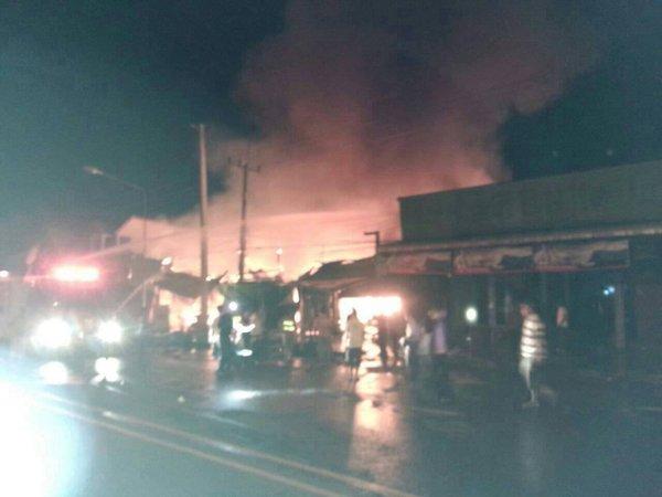 Sky lantern causes massive fire in Nam Yuen district, Ubon Ratchathab