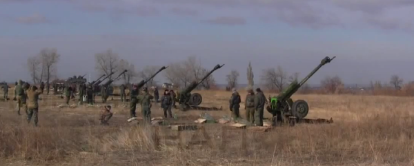 Russian army D-30 artillery position, active in Luhansk oblast.nnProbably fire towards Shchastya or Krymske/CP31.
