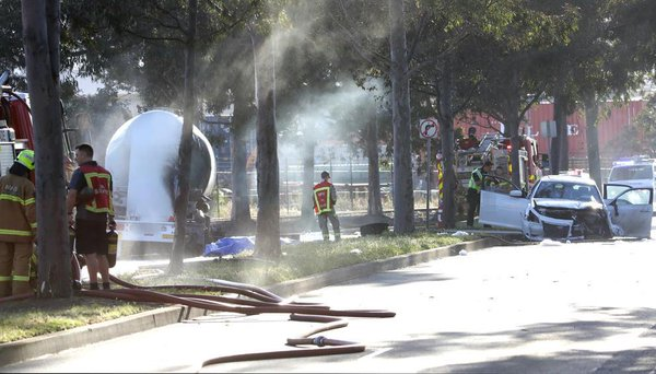 1 dead after fiery smash between a car and a truck in Port Melbourne