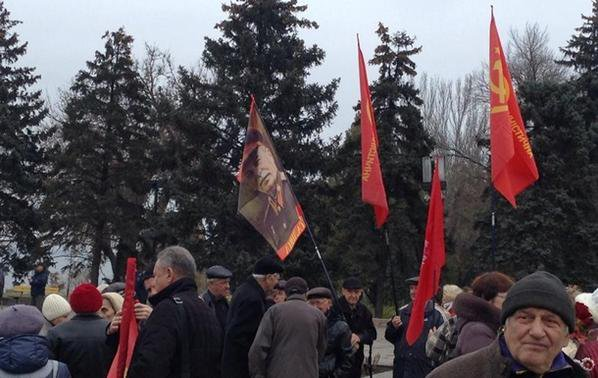The rally in Zaporizhye near the monument to Lenin