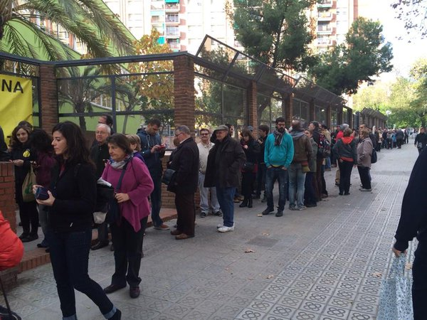 Catalonia: long lines everywhere, all municipalities of Catalonia are participating in the referendum