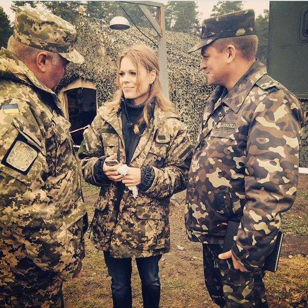 Ukrainian TV-star Olga Freimut visited fighters of ATO.