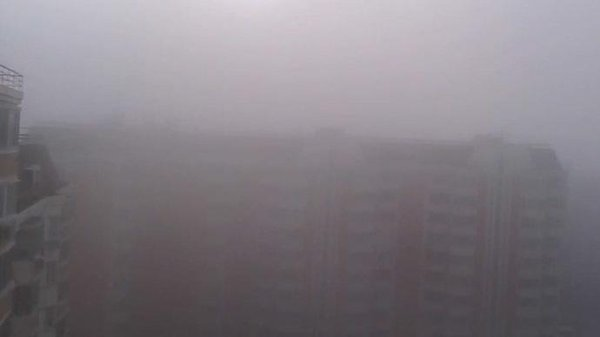 Mystery fog, 'toxic' sulfur covers Moscow
