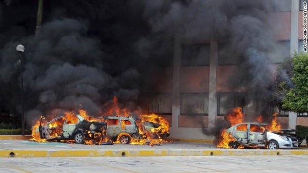 Protests over 43 missing students in Mexico turn violent