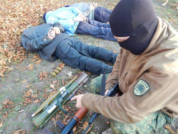 Battalion Azov met in the forest a group of three Russians tourists