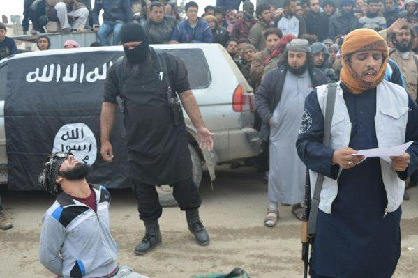 Syria | Abdul-Rahman in his last  moments before being hanged by the fighters in Aleppo