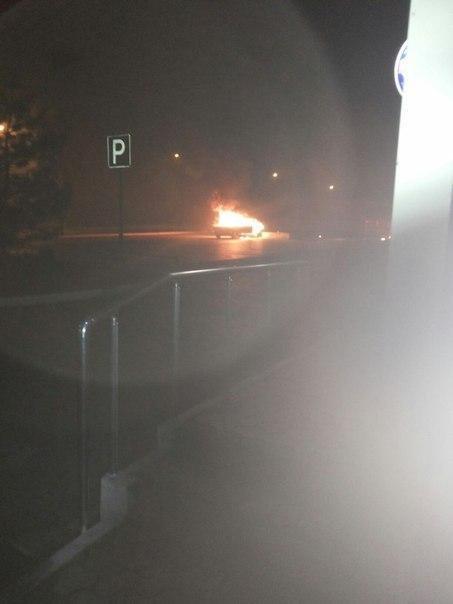 Car is burning in Enakievo, shop Obzhora(Glutton)