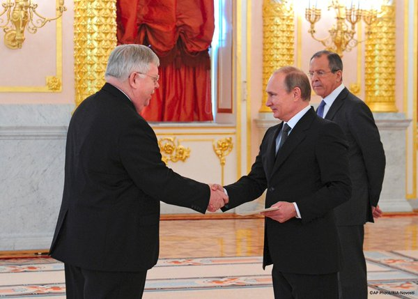 Today, as the new U.S. Ambassador to Russia John Tefft has presented his credentials to the President Putin.