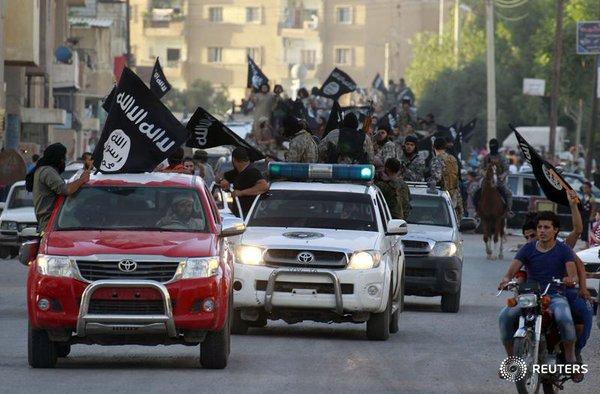 Islamic State attacks government complex in the heart of an Iraqi provincial capital