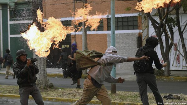 Clashes in Mexico as protests for 43 missing students turn violent