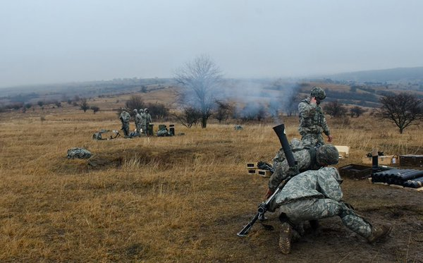 @USArmyEurope and Romanian paratroopers train together on mortar systems during Exercise Rubicon in Cincu
