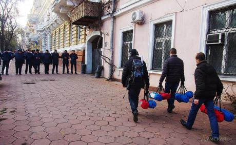 Police not allowed activists to set tents near Odessa' MIA