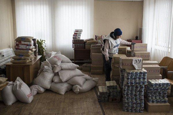 @OSCE_SMM visit to hardhit Trokhizbenka (Luhansk) today. Temp truce held 4 repair work