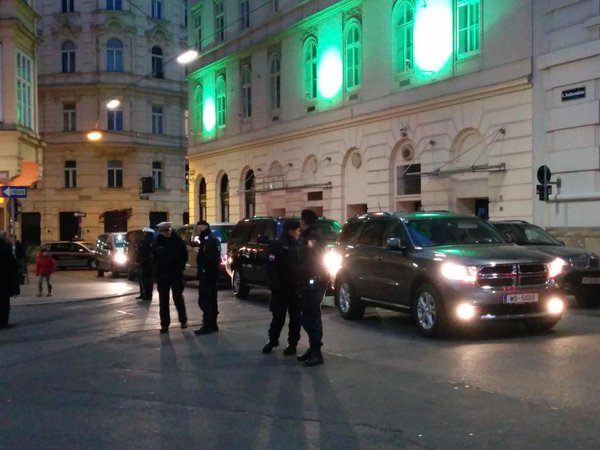 Procession of Kerry makes a break after a meeting with A. Arabia, it seems that it will extend the deadline for agreement Iran Vienna