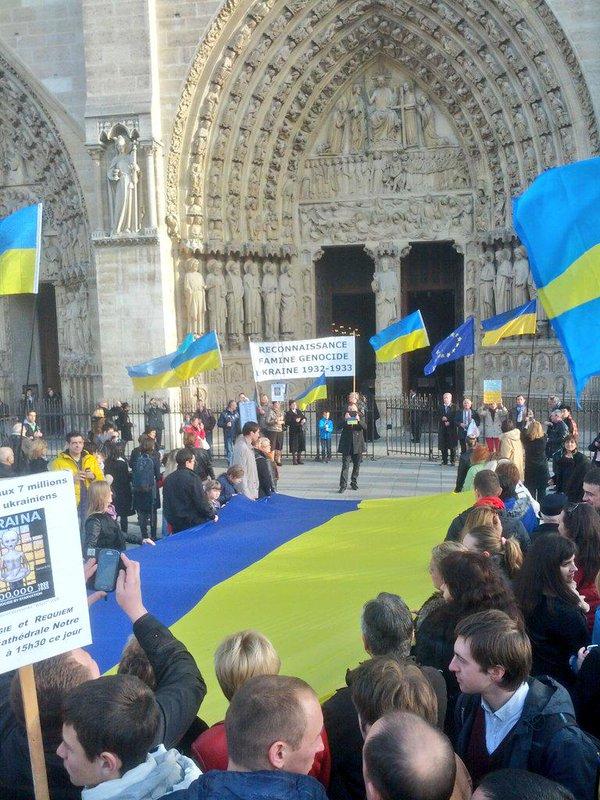 Rally near Notre-Dame de Paris Holodomor