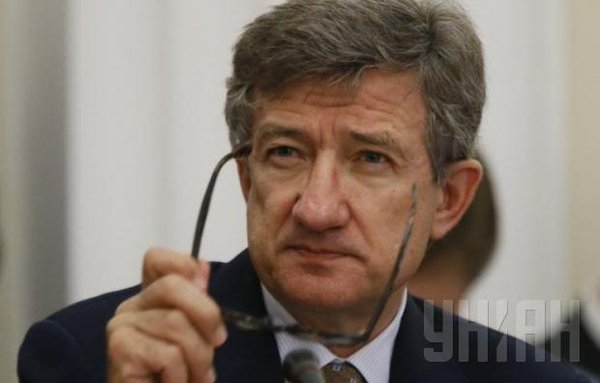 Taruta said that the government must regain control of Crimea and Donbas at all costs
