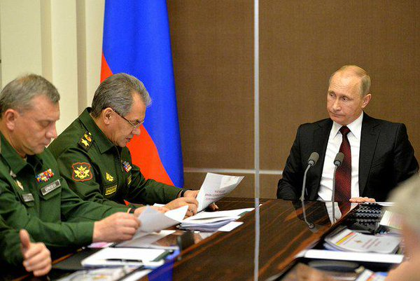 Putin & Shoigu discussed the results of the drills of the Russian army