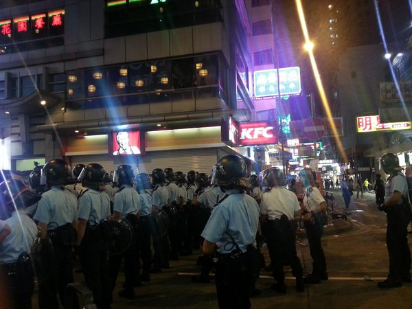 All shops, even KFC at Portland St & Shantung St intersection are closed at 7:46pm