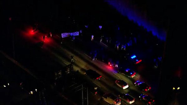 Ferguson protestors blocking traffic on I-75/I-85 in downtown Atlanta
