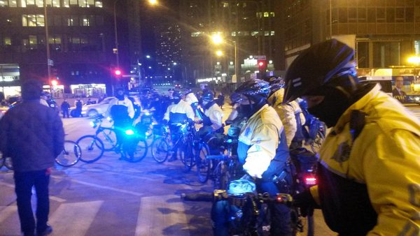 Cops grabbing people trying to pass through police lines & throwing them around at Chi2Ferguson demo on Michigan ave
