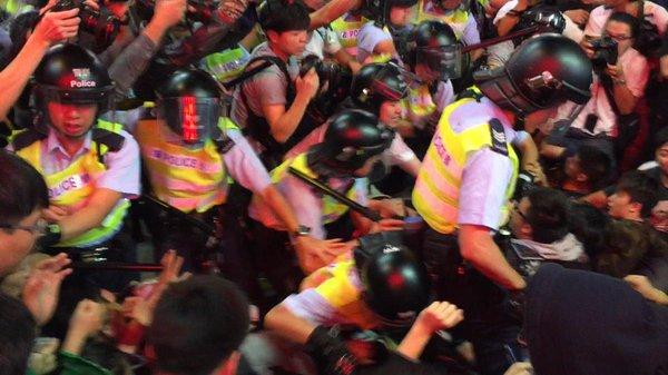 Confrontation heats up at Shandong/Sai Yeung Choi junction.