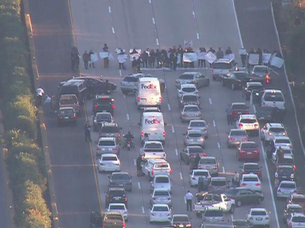 Ferguson protesters shut down I-5 in SanDiego