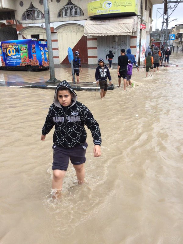 Gaza's infrastructure is destroyed. Heavy rains have flooded many areas including Al-Nafaq. GazaUnderRubble