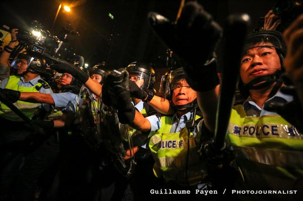 Riot police clashes in OccupyHK police using pepper spray