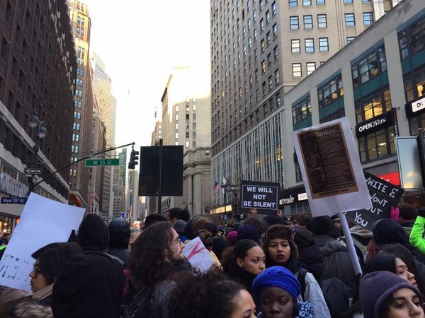 Police standoff. Arrests started BlackoutBlackFriday