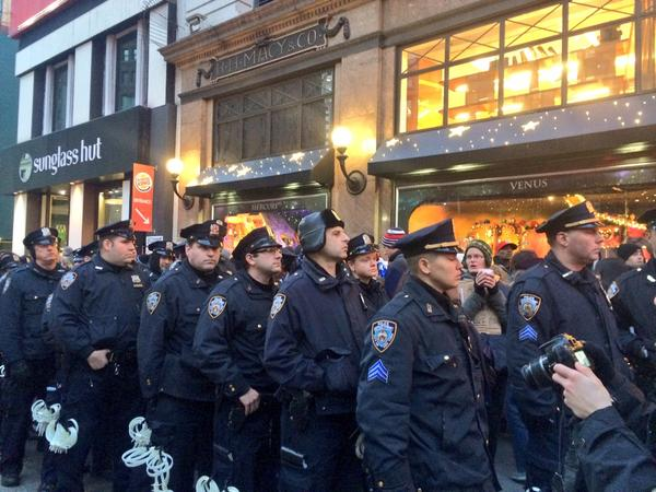 Crowd ordered to disperse from front of Macy's BlackoutBlackFriday ShutdownBlackFriday