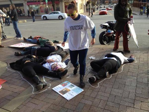 Kansas City Plaza, Three arrested at today's BlackoutBlackFriday event