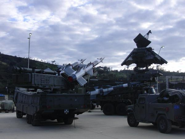 Pechora 2M air defense system with 5V27DE rockets spotted yesterday in Venezuela.