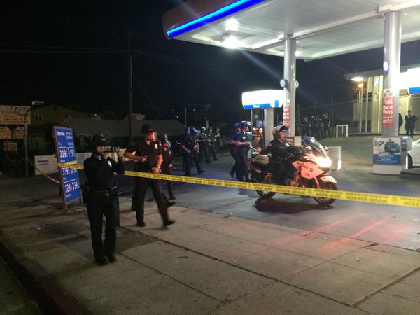 Policemoving in on 2nd group of protestors at chevron station on Alvarado and Beverly