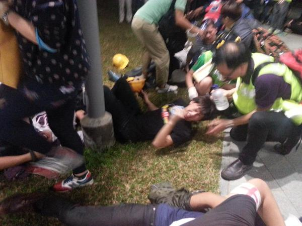 Mayhem, pepper spray return to Admiralty protest.