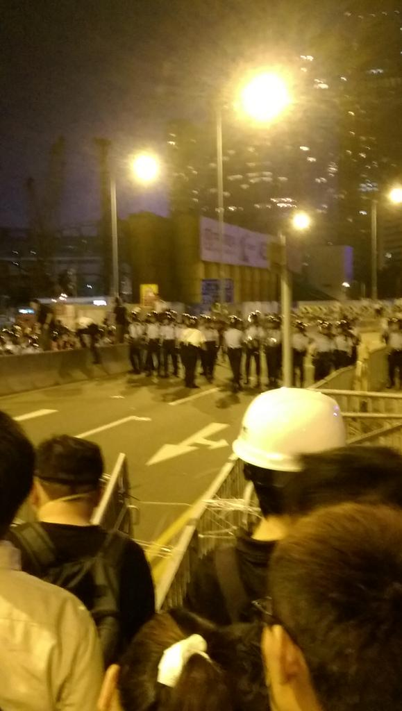 Police retreat OccupyCentral