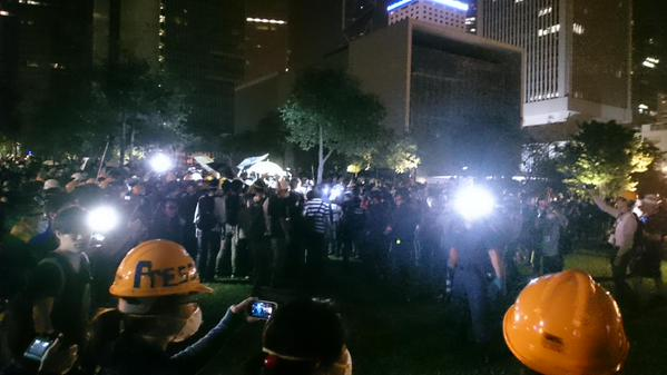 Fights breaking out in Tamar. Lots of protesters hurt occupyhk