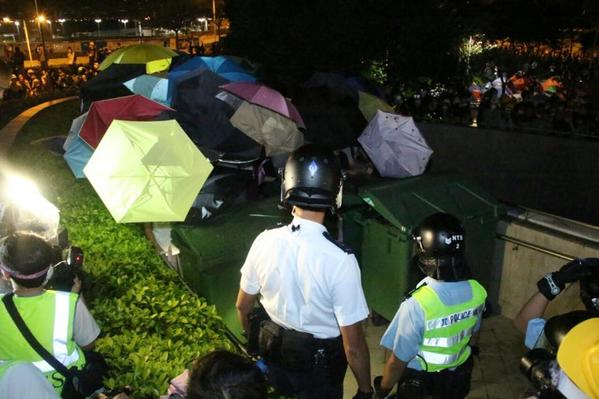 Images from the police action to clear Lung Wo rd and Tamar park OccupyHK