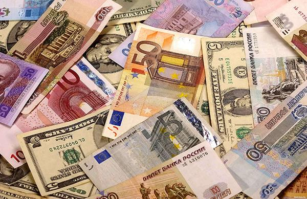 Russian banks began to impose restrictions on the purchase of currency