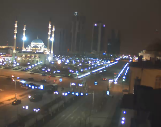 Live stream of Grozny now shows armoured vehicles and troop trucks on the streets.