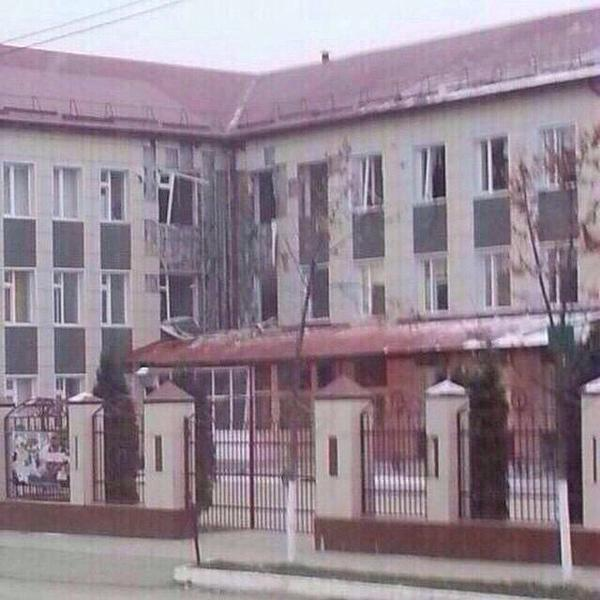 20th School, Grozny: Rebels seized the school. Russians from the fright defeated the school as a whole.