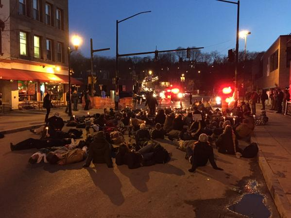 Ithaca protesters block N Aurora as @ithacapolice divert traffic