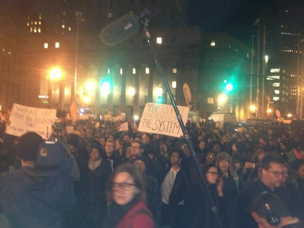 EricGarner march starting to move from Foley Square. West on Duane Street