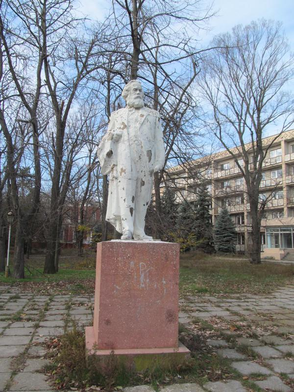 The monument to Karl Marx was toppled in Odessa