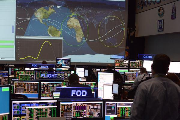 Mission control is ready for Orion to re-enter Earth's atmosphere