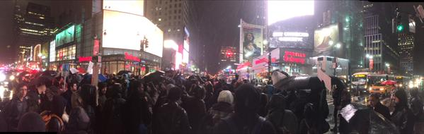 Protesters pause in the middle of 34th and 7th traffic at standstill ericgarner shutidown
