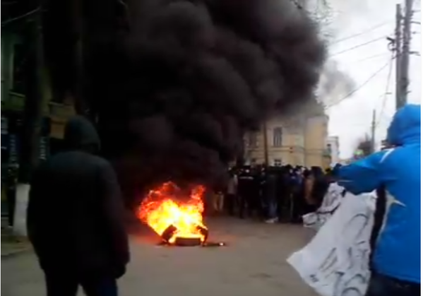 A mini-Maidan in Vinnytsia Ukraine where people are protesting against local officials who are impeding lustration