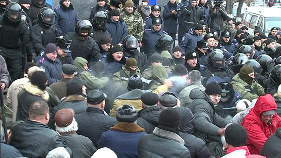 7 policemen and 1 activist hospitalized due to assault in Vinnytsia regional Council