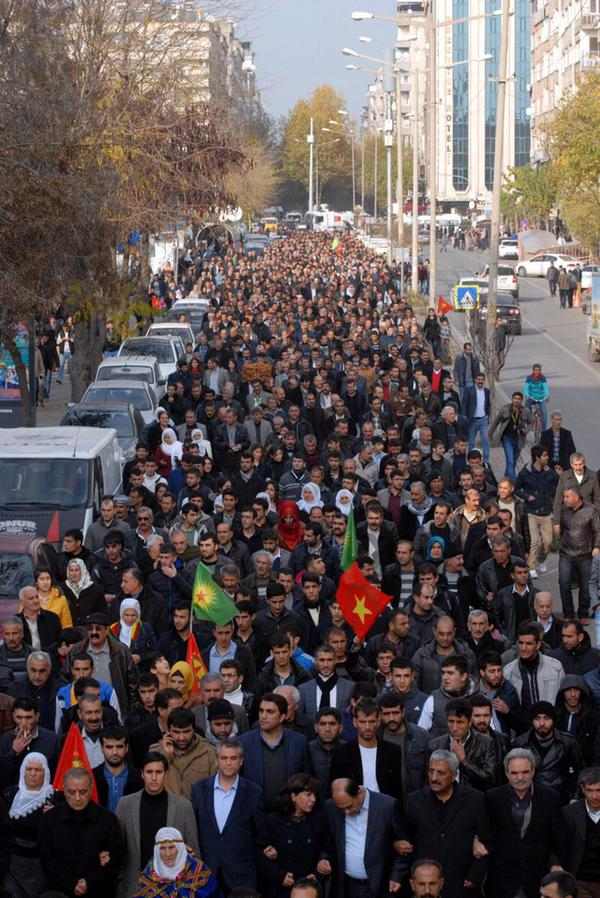 Amed. Thousands of people were arrested in the protest walk.