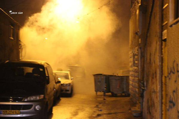 Confrontations in Siam neighborhood in Wadi Joz in Jerusalem, and the occupation called tear gas and rubber bullets.