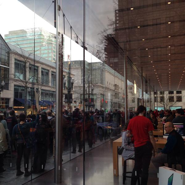EricGarner protest outside the Portland Apple store